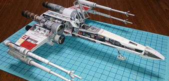 Papiermodell des X-Wings