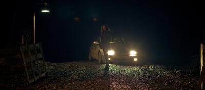 Alice Englert als Lucy in Jeremy Loverings In Fear
