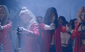 Assassination Nation mit Suki Waterhouse, Odessa Young, Hari Nef und Abra - Bild 6