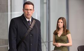 The Accountant mit Ben Affleck und Anna Kendrick - Bild 7