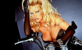 Barb Wire mit Pamela Anderson - Bild 13