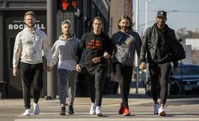 Queer Eye - Staffel 4 mit Bobby Berk, Tan France, Antoni Porowski, Jonathan Van Ness und Karamo Brown - Bild 4
