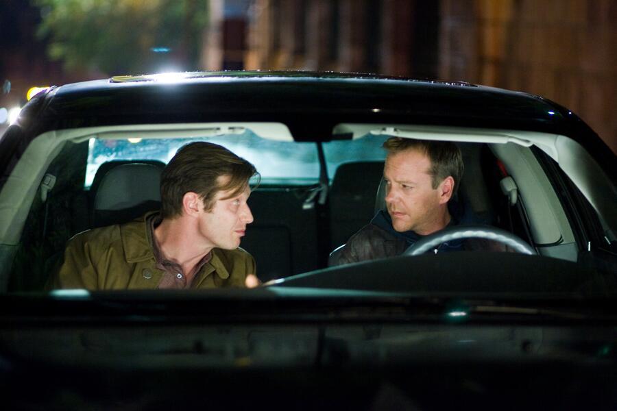 Mirrors mit Kiefer Sutherland und Jason Flemyng