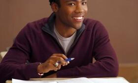 Donald Glover in Community - Bild 85