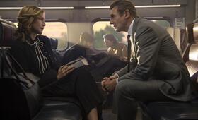 The Commuter mit Liam Neeson und Vera Farmiga - Bild 1