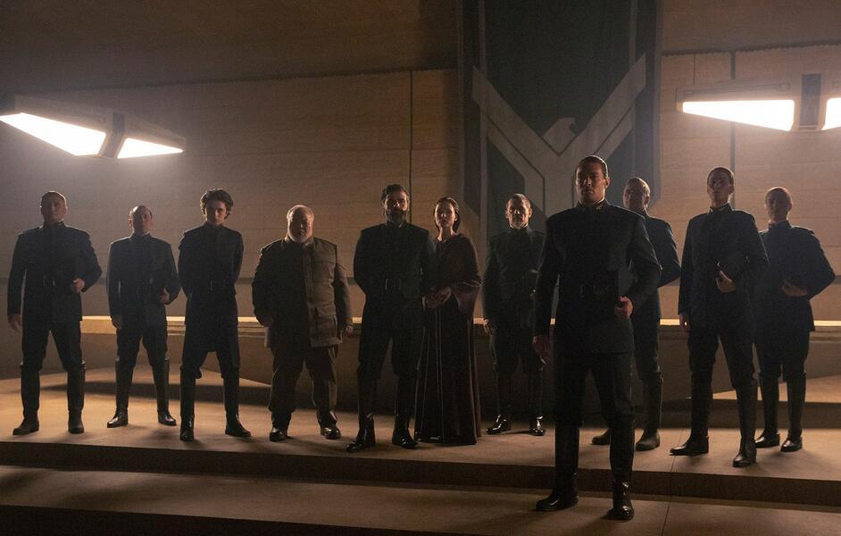 Dune mit Josh Brolin, Oscar Isaac, Jason Momoa, Rebecca Ferguson, Timothée Chalamet und Stephen Henderson