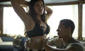 Miss Bala mit Gina Rodriguez und Ismael Cruz Cordova - Bild 9