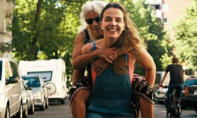 Frau Stern mit Ahuva Sommerfeld und Kara Schröder - Bild 1