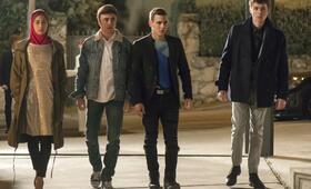 Elite, Elite - Staffel 1 mit Miguel Herrán, Itzan Escamilla, Arón Piper und Mina El Hammani - Bild 15