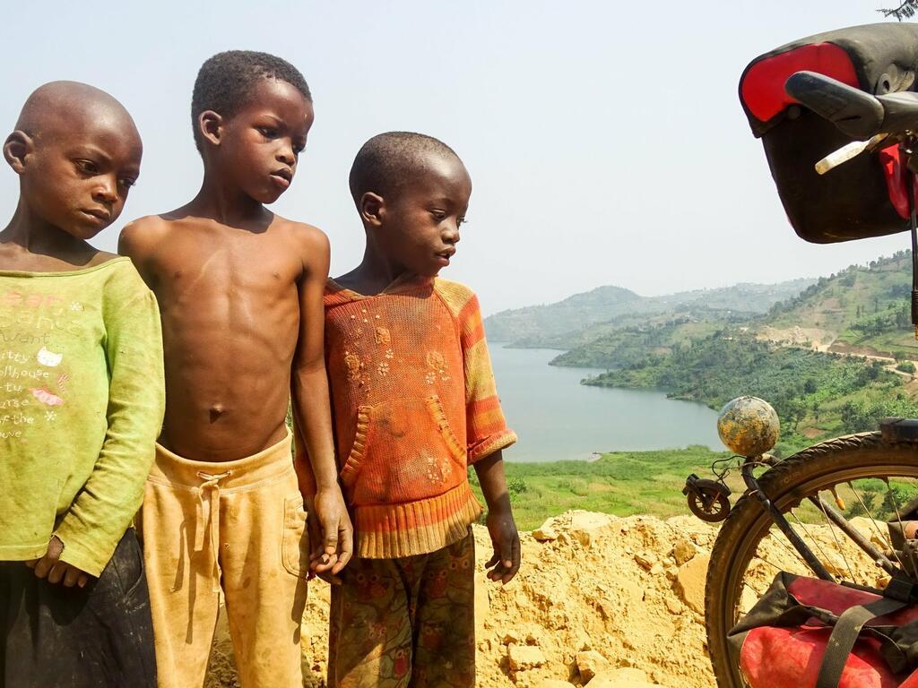 Anderswo - Allein in Afrika