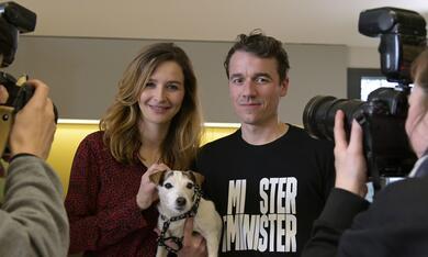 Frau Jordan stellt gleich, Frau Jordan stellt gleich - Staffel 1 mit Katrin Bauerfeind und Alexander Khuon - Bild 7