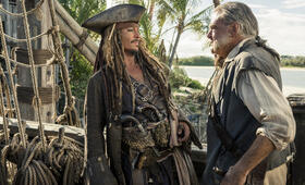 Pirates of the Caribbean 5: Salazars Rache mit Johnny Depp und Kevin McNally - Bild 3