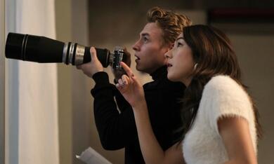 The Voyeurs mit Ben Hardy und Natasha Liu Bordizzo - Bild 2