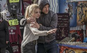 In Darkness mit Natalie Dormer und Ed Skrein - Bild 2