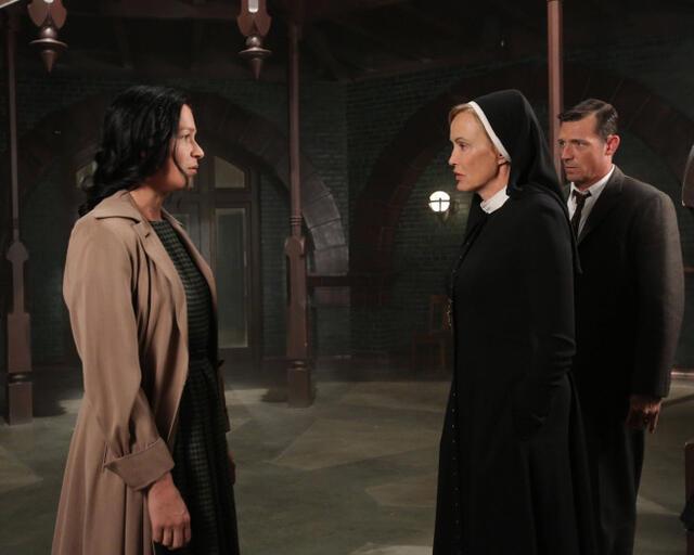 American Horror Story Staffel 2 mit Jessica Lange und Franka Potente