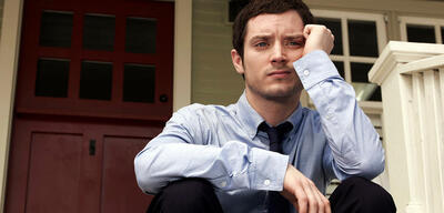 Elijah Wood in Wilfred