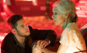 Philip K. Dick's Electric Dreams, Philip K. Dick's Electric Dreams Staffel 1 mit Geraldine Chaplin und Jack Reynor - Bild 12