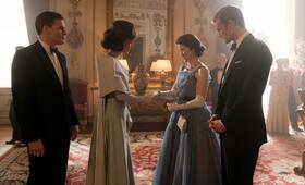 The Crown - Staffel 2 mit Michael C. Hall, Matt Smith, Claire Foy und Jodi Balfour - Bild 17