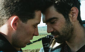 God's Own Country mit Alec Secareanu und Josh O'Connor - Bild 19