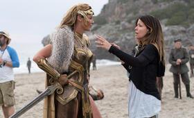 Wonder Woman mit Connie Nielsen und Patty Jenkins - Bild 6