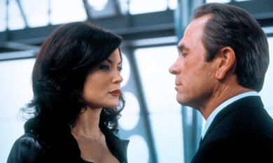 Men In Black 2 mit Tommy Lee Jones und Lara Flynn Boyle - Bild 11