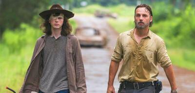 Chandler Riggs und Andrew Lincoln als Carl und Rick in The Walking Dead