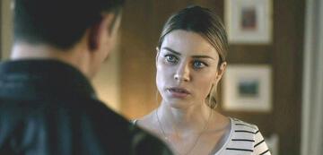 Lauren German als Chloe in Lucifer