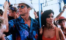 Running Man mit Arnold Schwarzenegger und Maria Conchita Alonso - Bild 216