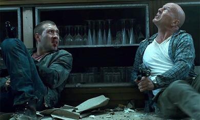Stirb langsam - Ein guter Tag zum Sterben mit Bruce Willis und Jai Courtney - Bild 11