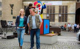 Tatort: Gott ist auch nur ein Mensch mit Axel Prahl und Friederike Kempter - Bild 6