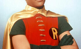 Burt Wart als Robin in Batman - Bild 13