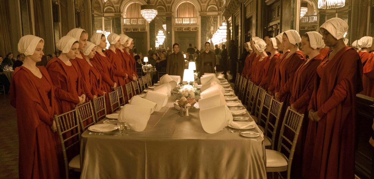 The Handmaid\'s Tale - Serien-Check zur Dystopie mit Elisabeth Moss ...