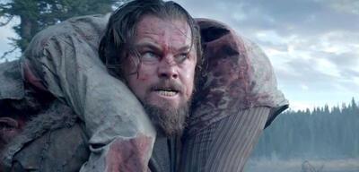 Leonardo DiCaprio trägt Alejandro Gonzalez Inarritu auf die Bühne [Dramatisierung]