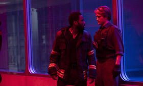 Tenet mit Robert Pattinson und John David Washington - Bild 23