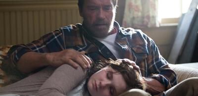 Arnold Schwarzenegger und Abigail Breslin in Maggie