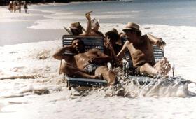 Die Entführer lassen grüßen mit Lino Ventura, Jacques Brel, Charles Denner und Aldo Maccione - Bild 2