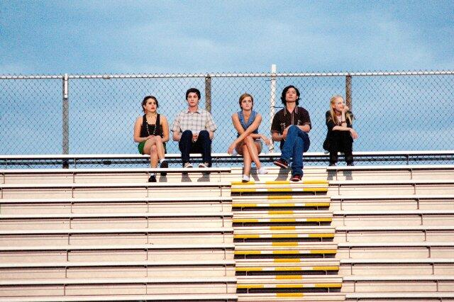 Vielleicht lieber morgen mit Emma Watson, Logan Lerman, Ezra Miller, Mae Whitman und Erin Wilhelmi