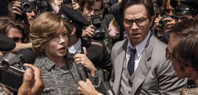 Michelle Williams und Mark Wahlberg in Alles Geld der Welt