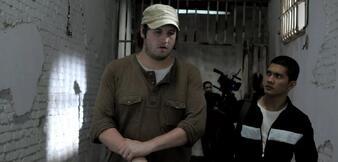 Gareth Evans (links) am Set von The Raid 2