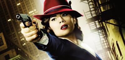 Agent Peggy Carter (Hayley Atwell) schlägt zu!