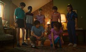 Stranger Things - Staffel 3 mit Millie Bobby Brown, Finn Wolfhard, Gaten Matarazzo, Noah Schnapp und Caleb McLaughlin - Bild 15
