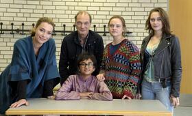 Kein Herz für Inder mit Nicole Mercedes Müller, Aglaia Szyszkowitz, Zayn Baig und Lena Urzendowsky - Bild 46