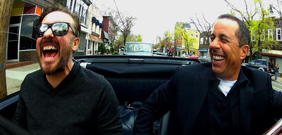 Jerry Seinfeld (r.) mit seinem Gast Ricky Gervais in Comedians in Cars Getting Coffee