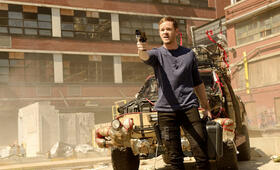 Aaron Ashmore in Killjoys - Bild 16