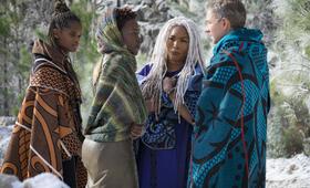 Black Panther mit Martin Freeman, Lupita Nyong'o und Letitia Wright - Bild 5