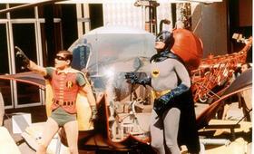 Batman hält die Welt in Atem mit Adam West und Burt Ward - Bild 3