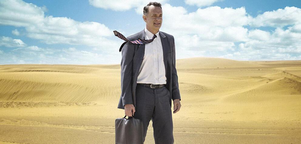 Kein Kamel weit und breit: Tom Hanks stapft durch die Wüste von Saudi-Arabien.