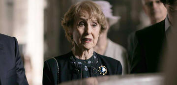 Una Stubbs als Mrs. Hudson