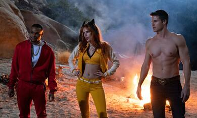 The Babysitter: Killer Queen mit Robbie Amell, Bella Thorne und Andrew Bachelor - Bild 1