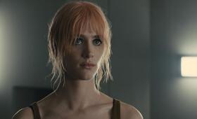 Blade Runner 2049 mit Mackenzie Davis - Bild 25